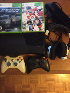 Xbox 360 with Kinect for sale/A vendre!