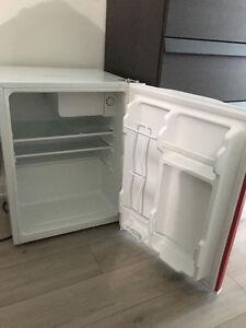 Mini fridge (mint condition)