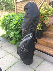 sac de golf Nike et 12 bâtons golf droitier