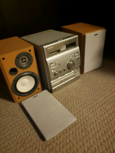 Great looking Sony CD radio player SOLD