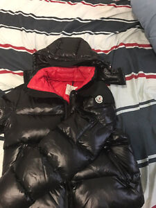 Black Moncler Clairy Size 5( medium) For sale