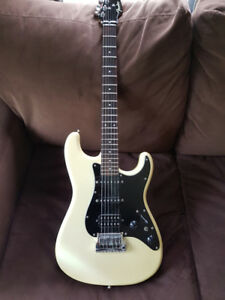 Ultra Rare Fender Contemporary Deluxe Strat 1985
