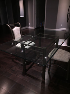 GLASSTOP TABLE WITH 6 CHAIRS