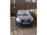 RENAULT SCENIC ESTATE - 1.6 VVT Dynamique 5dr 2 previous owners- Low mileage 76000 ONE YEAR MOT