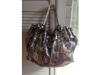 Ladies Large Handbag.