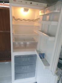 Bosch fridge freezer, excellent/super clean. Delivery possible