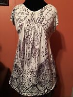 2 never worn womans apt..9 tops-size small!!