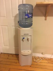 Machine/Distributeur à eau
