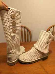 Cream Uggs cardy size 6