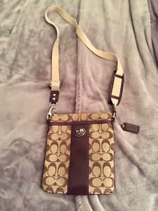Authentic coach crossbody almost mint condition