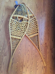 Vintage snow shoes with binding. High quality