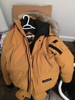 Canada goose chiliwack bomber, mustard colour small mens