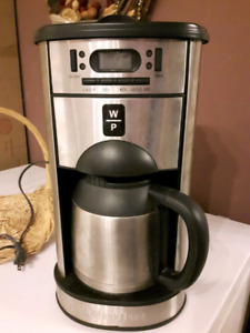 Wolfgang Puck coffee maker with grinder