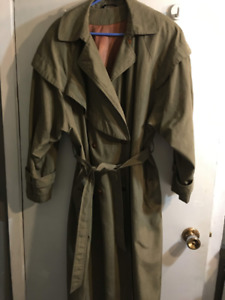 Lovely woman's mid length  trench coat , like new, green,size 12