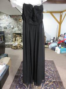 BLACK PROM STYLE DRESS WORN ONCE EXCELLENT CONDITION SIZE 8