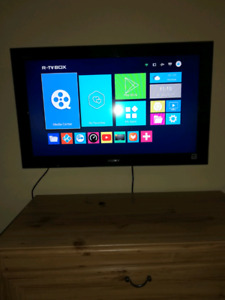 32 inches Sony Bravia Tv working perfectly