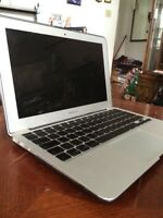 Macbook Air  11' 550 neg