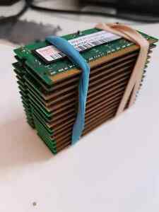 15 peices of 512mb DDR2 RAM various speeds Kingston Kingston Area image 1