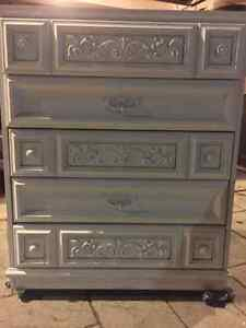 Vintage dresser, chest of drawers London Ontario image 2