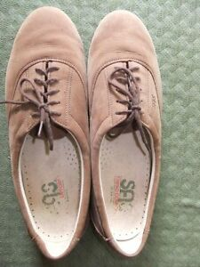 SAS Tripad Comfort women's shoes, size 11 narrow, hardly worn,