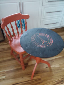 Solid wood coffee table+chair in excellent condition!-HAS TO GO!