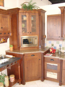 Beautiful Rich, Maple Kitchen Cabinets