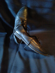 SIZE 8 Ladies ITALIAN LEATHER SHOES*AD'S UP,IT'S STILL AVAILABLE