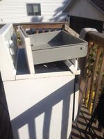 Free Brocken stove used for parts if wanted