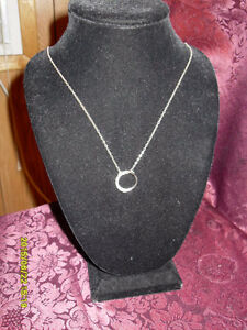Sterling silver (925) necklace with a stone band pendant
