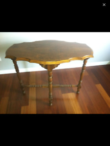 Antique Great Condition Walnut Accent Table S&P Free CLEAN Home