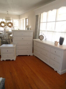 Quality Three Piece Dresser Set with Lots of Bling!!