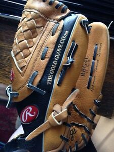 New Rawlings left handed Glove