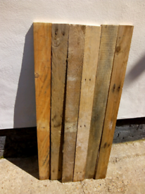 Pallet boards 0.9m - 1m long Ready to be reused.