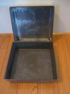 OLD 8-INCH SQUARE BROWNIE / DATE-SQUARE BAKING PANS
