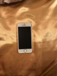 Used 16G  gold I phone 5s for sale Strathcona County Edmonton Area image 1