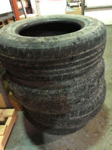 4 pneus d'hiver LT245/70R17 Michelin Winter LTX