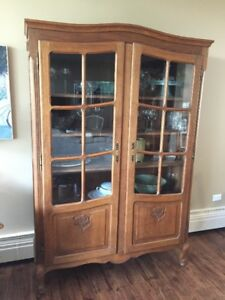 Louis XV Style Oak Double Door Bookcase/China Cabinet