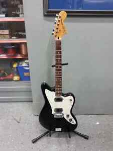 Fender Electric Guitar for sale. We sell used goods. 109496