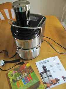 Jack Lalanne's Ultimate Power Juicer with Recipe book and brush Sarnia Sarnia Area image 3