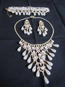 BEAUTIFUL VINTAGE NECKLACE/EARRINGS/BRACELET SET
