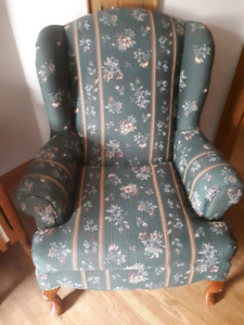 Comfortable green wingback