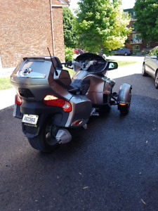 CAN-AM SPYDER RT SE5 2012... ARGENT IMPECABLE