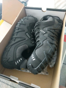 ***Brand New*** Terra Safety Shoes Size 9.5 Black