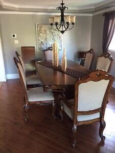 Handcrafted Italian Oak Dinning Table with Chairs Set