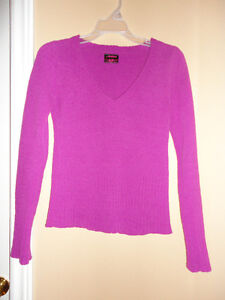 Women's velour knit hot pink v-neck sweater women's size small London Ontario image 1