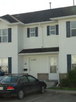 Excellent Price & New Laminate! Lake Side Chateau Townhouse