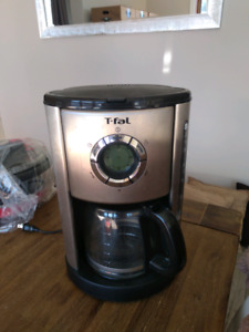 MACHINE  A CAFE T-FAL
