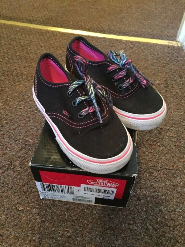Vans Trainers, Infantin Smethwick, West MidlandsGumtree - Girls Infant Vans Trainers.Infant size 6.Immaculate Condition as only worn twice.Comes with original box
