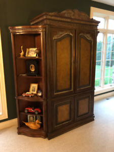 Armoire/ TV Cabinet
