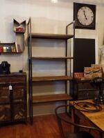 Étagère bibliothèque industriel acier et bois